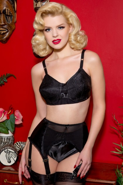 Court Royal Mansfield Black Spiral Stitch Padded Bullet Bra