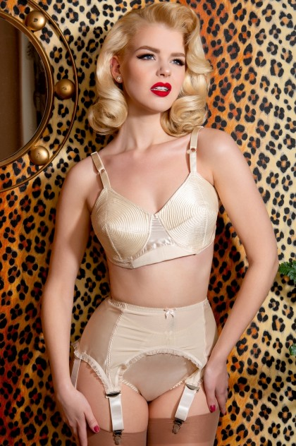 Court Royal Mansfield Peach Spiral Stitch Padded Bullet Bra