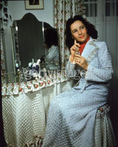 The Gorgeous Elizabeth Taylor - 13 April 2011